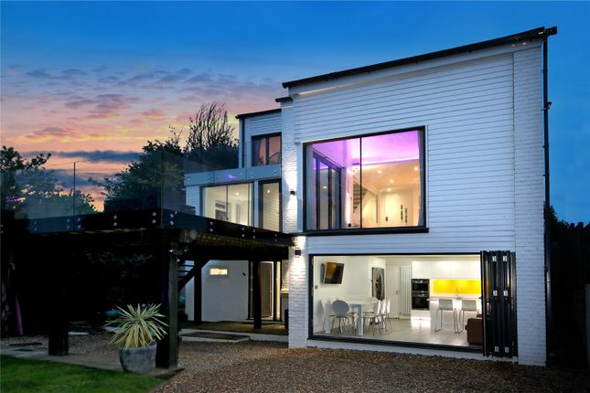 Thumbnail Flat for sale in Cheapside Road, Ascot, Berkshire