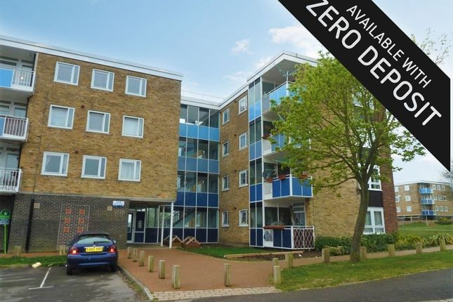 Thumbnail Flat to rent in Gerard Crescent, Southampton