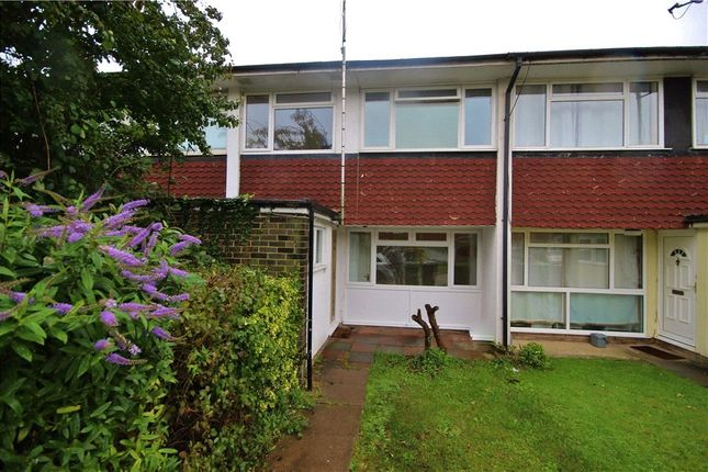 4 bed terraced house to rent in Guildford Park Avenue, Guildford, Surrey GU2