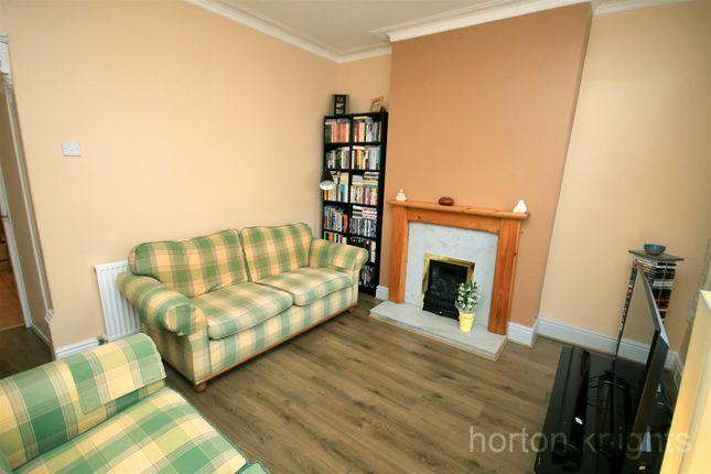 Lounge of Sheardown Street, Doncaster DN4