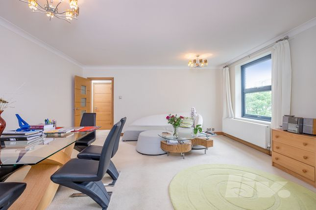2 bed flat to rent in Alban House, Sumpter Close, Swiss Cottage