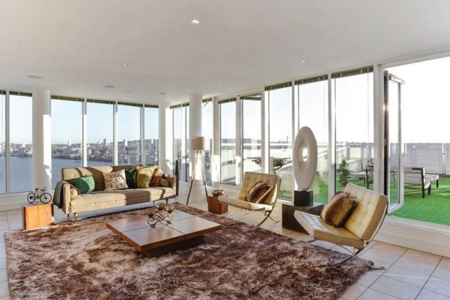 Thumbnail Flat for sale in Wards Wharf Approach, London