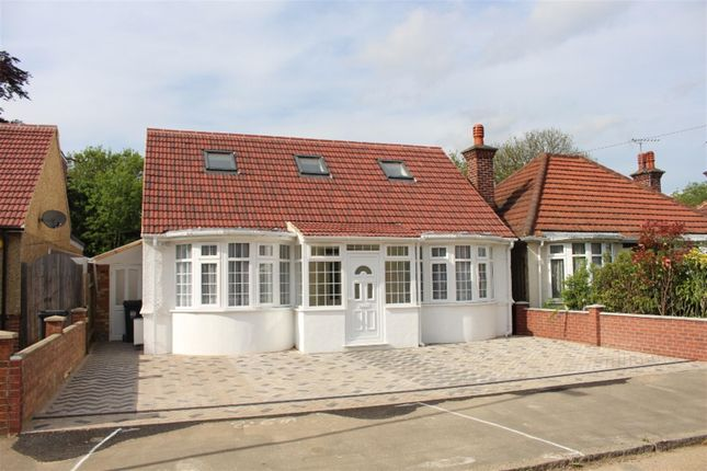 Thumbnail Detached bungalow for sale in The Vale, Heston