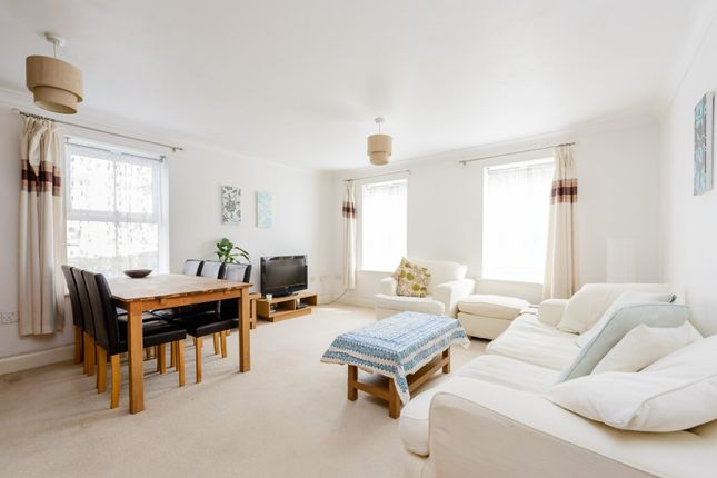 Thumbnail Flat for sale in Reliance Way, Oxford, Oxfordshire
