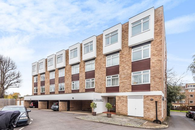 1 bed flat for sale in Whitefield Close, London SW15