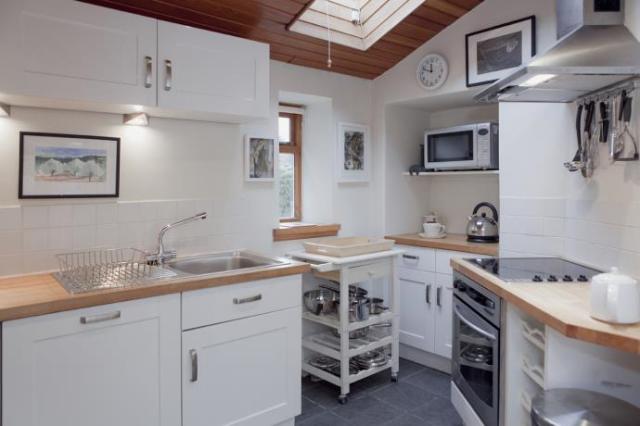 Thumbnail Cottage to rent in Dalkeith Road, Edinburgh
