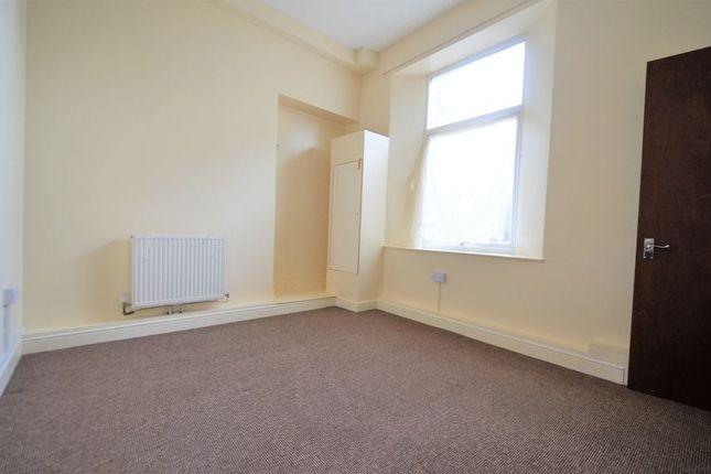 Photo 3 of 3 Bedroom Flat, Oxford Grove, Ilfracombe EX34