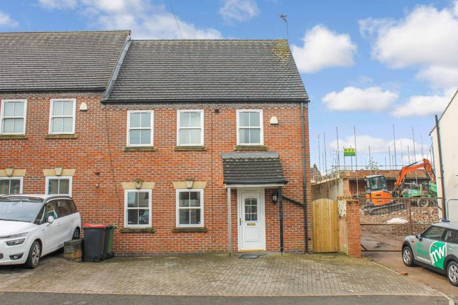 Thumbnail Semi-detached house to rent in North Street, Atherstone, Warwickshire