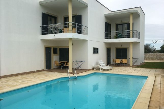 Block of flats for sale in Luz, Luz, Lagos