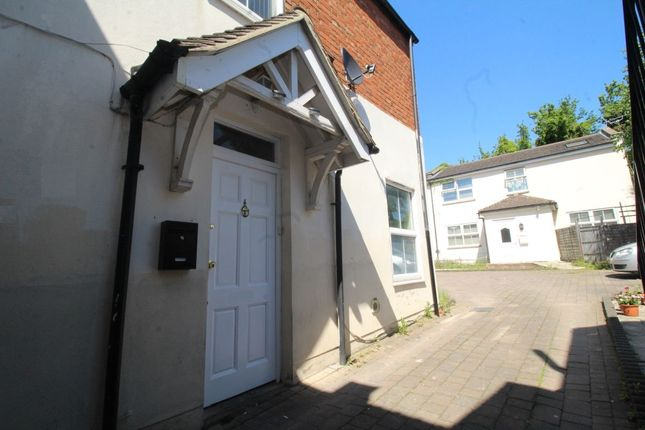 Thumbnail Semi-detached house to rent in Queens Road, Watford