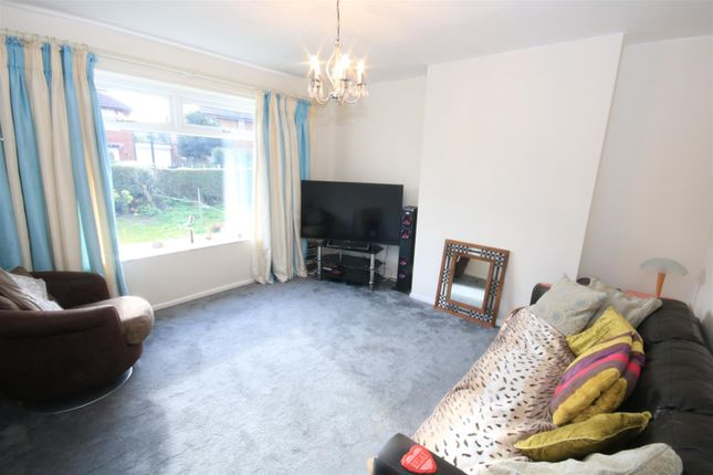 Lounge of Langthwaite Road, Scawthorpe, Doncaster DN5
