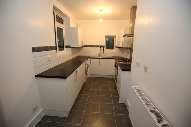Thumbnail Semi-detached house to rent in Green Drive, Southall