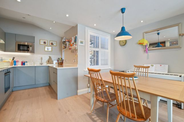 Thumbnail Maisonette for sale in Hawthorn Road, Crouch End, London