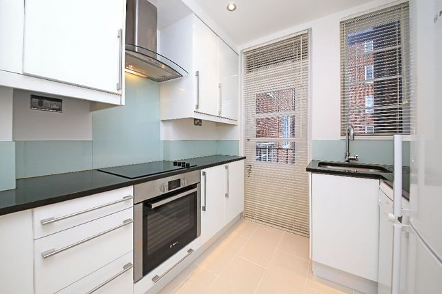 Flat to rent in St. Petersburgh Place, London