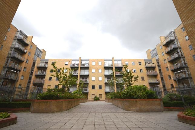 1 bed flat for sale in Cassilis Road, London