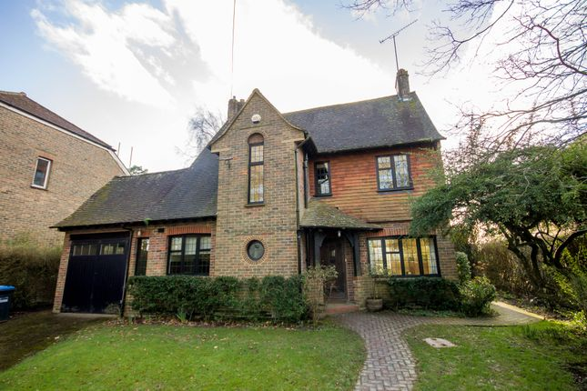 Thumbnail Detached house to rent in Coombe Hill Road, East Grinstead, West Sussex