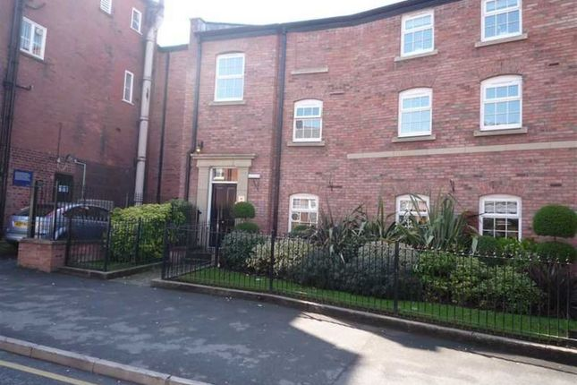 Thumbnail Flat to rent in 18 Royles Sq, A/E
