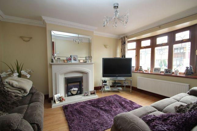 Thumbnail Property to rent in Denbigh Close, Hornchurch