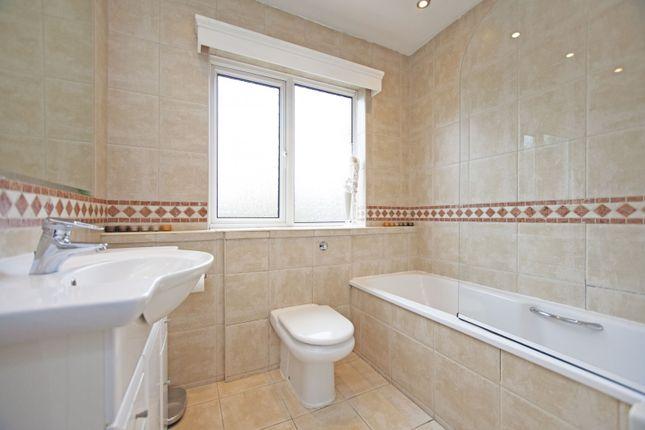 Bathroom of Chatsworth Avenue, Hendon, London NW4