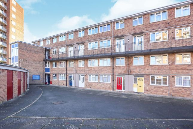 Thumbnail Flat for sale in Vauxhall Avenue, Wolverhampton