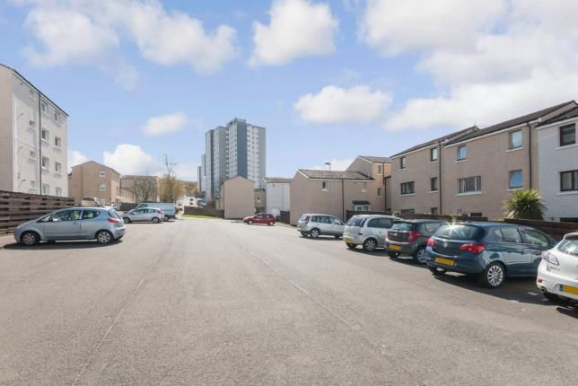 Parking of Roxburgh Way, Greenock, Inverclyde PA15