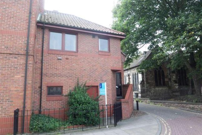 1 bed flat to rent in North Street, York YO1