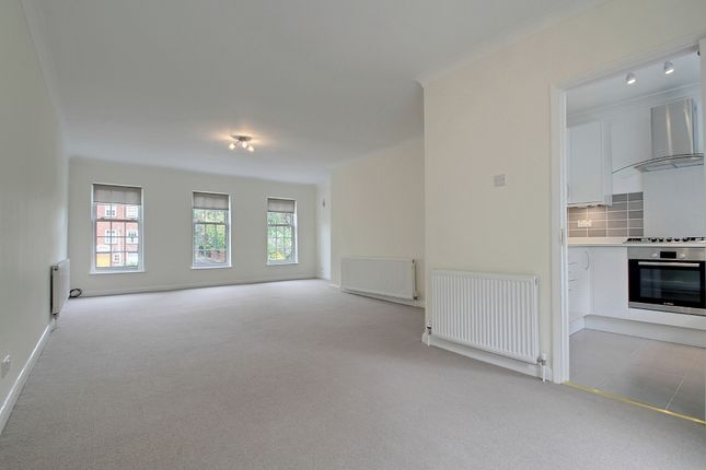 4 bed town house to rent in Dene Road, Northwood