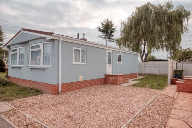 Thumbnail Mobile/park home for sale in Acacia Avenue, Poplars Mobile Homes, Charnwood Park Estate, Scunthorpe
