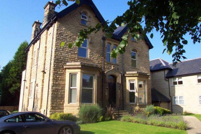 Thumbnail Flat to rent in Park Villas, Roundhay, Leeds