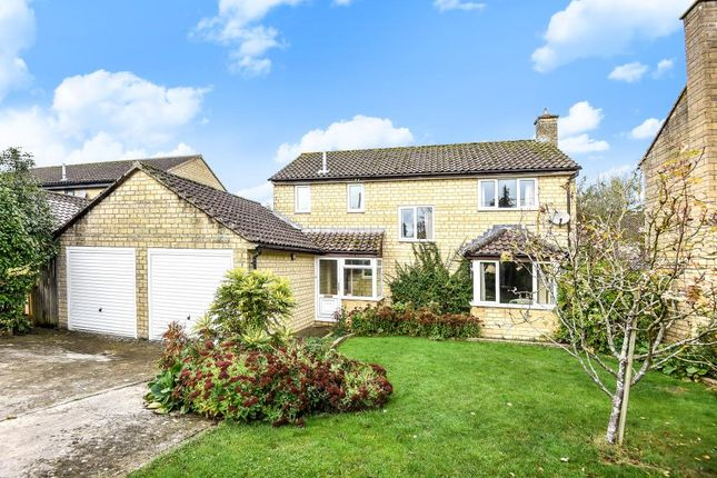 Thumbnail Detached house for sale in New Yatt Road, Witney