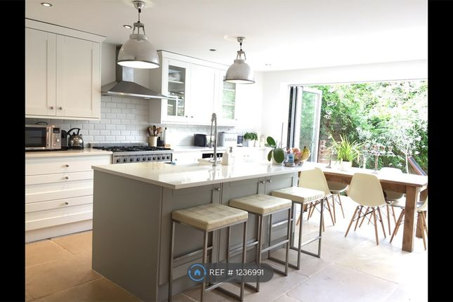 4 bed semi-detached house to rent in Dunstans Road, London SE22