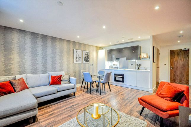 1 bed flat to rent in New Eton House, Bath Road, Slough, Berkshire SL1