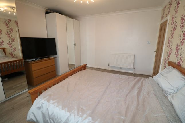 Master Bedroom of Queenhill Road, Selsdon, South Croydon CR2