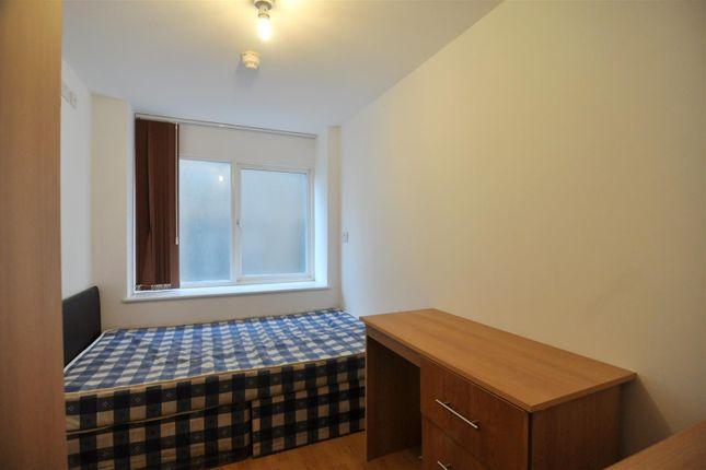 Thumbnail Flat for sale in 132 Sunbridge Road, City Centre, Bradford