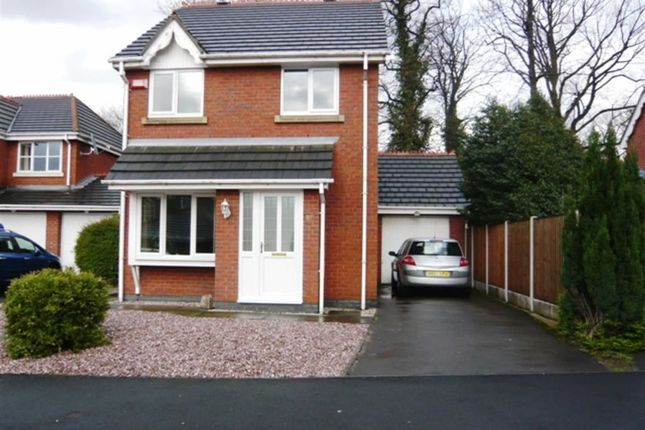 3 bed detached house to rent in Bronington Close, Manchester