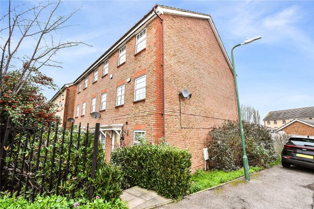 4 bed end terrace house for sale in Hawley Road, Wilmington, Dartford, Kent DA1