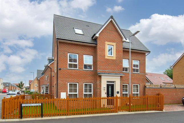 Thumbnail Detached house for sale in Currency Close, Dunstable