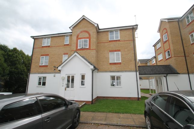 Thumbnail Flat to rent in Clarence Close, Barnet