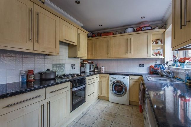 Kitchen of Saunders Park View, Brighton BN2