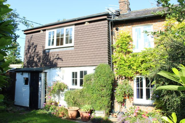 Thumbnail Cottage for sale in Newtown Cottages, Eastbury