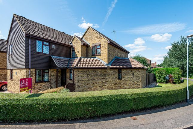 Thumbnail Detached house for sale in Albany Park Drive, Winnersh, Berkshire