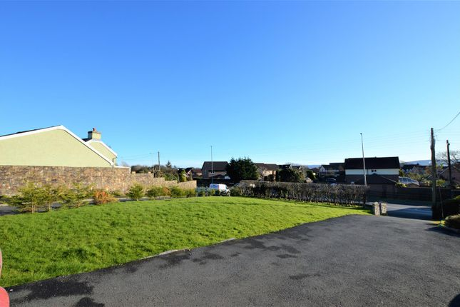 Externally-Front of Gwscwm Road, Burry Port SA16