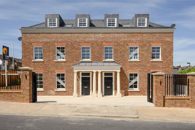 Thumbnail Semi-detached house for sale in 4, 75 Kings Road, Richmond, UK