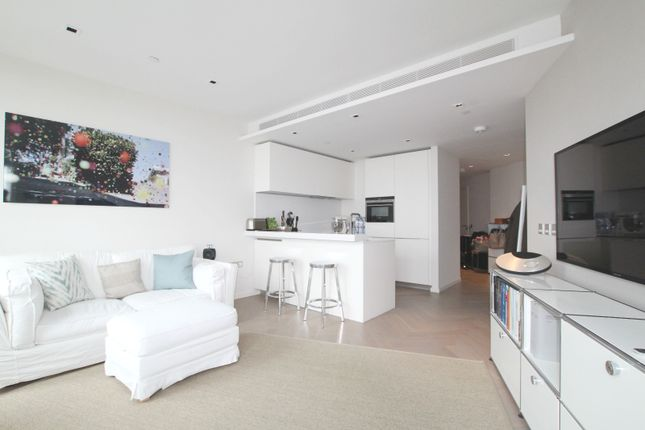 Thumbnail Flat to rent in Southbank Tower, Upper Ground, Southbank, London
