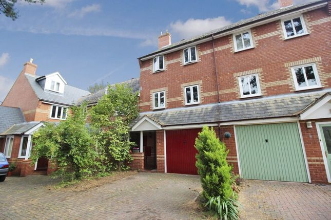 Thumbnail Terraced house to rent in Fountain Place, Worcester