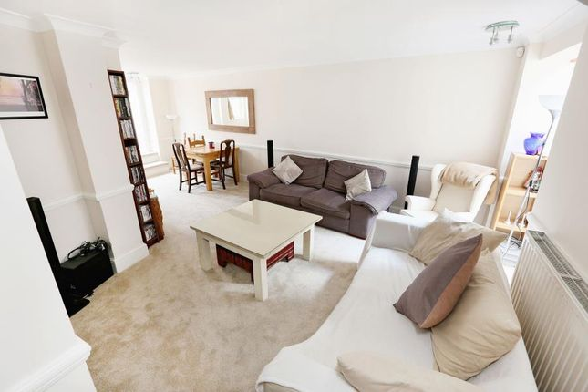 Thumbnail Flat to rent in St. John's Hill Grove, London