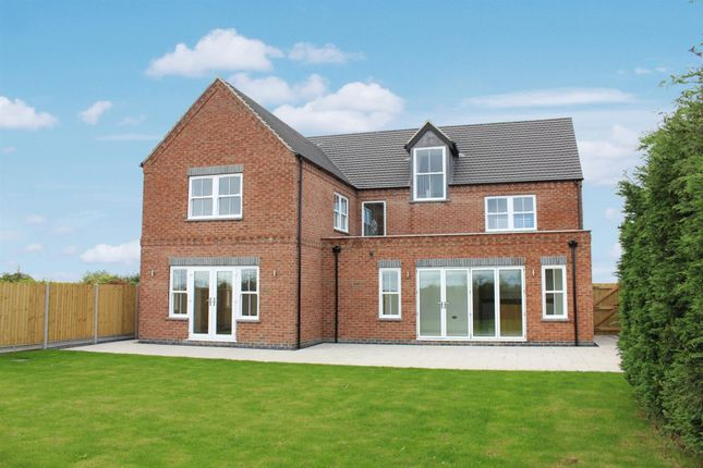 Thumbnail Detached house for sale in Higham Lane, Nuneaton, Warwickshire