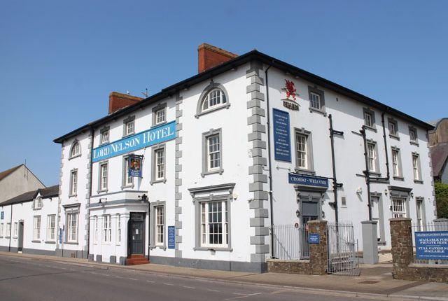 Thumbnail Hotel/guest house for sale in 9 Hamilton Terrace, Milford Haven