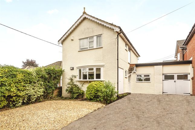 3 bed link-detached house to rent in Grange Road, Alresford, Hampshire SO24