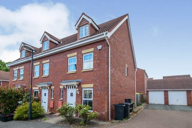 3 bed end terrace house to rent in Princess Drive, York YO26